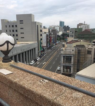 屋上から街中