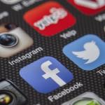 【Facebook】Facebookアプリの動画自動再生機能を無効にする方法。iPhoneの動作速度やモバイルデータ通信量の消費、バッテリ消耗の問題を解消する!