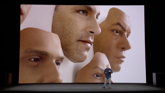 【iPhone X】iPhone XのTrue Depthカメラで集めたデータを使って顔の3Dマップを作成